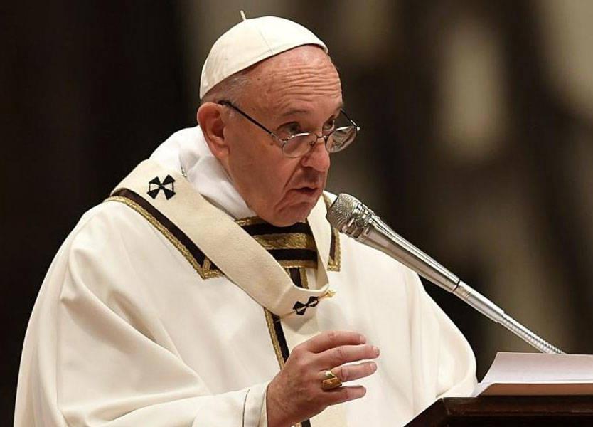 """البابا فرنسيس تراوده """"فكرة ملحة"""" لزيارة العراق"""