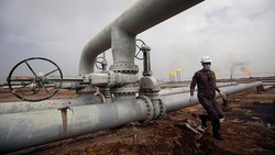 Iraq struggles to implement OPEC agreement reducing oil production : Agency