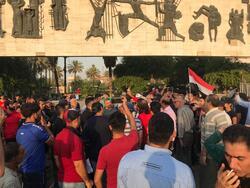 مقرب من الصدر يعقب على فتح الحكومة تحقيقا بضحايا التظاهرات: الجلاد لا يكون محققا