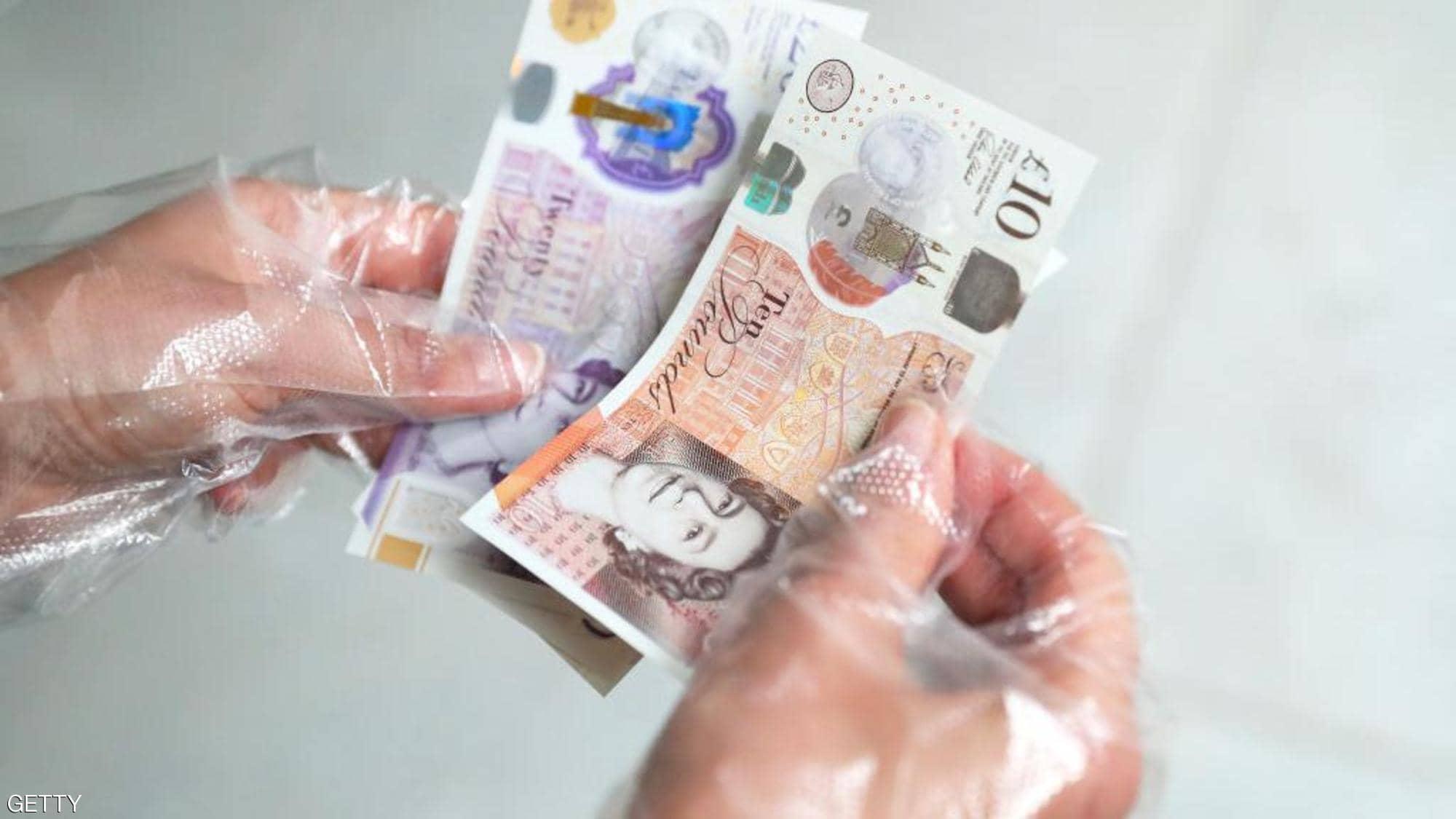 تعرّف على حقيقة انتقال كورونا عبر الأوراق النقدية