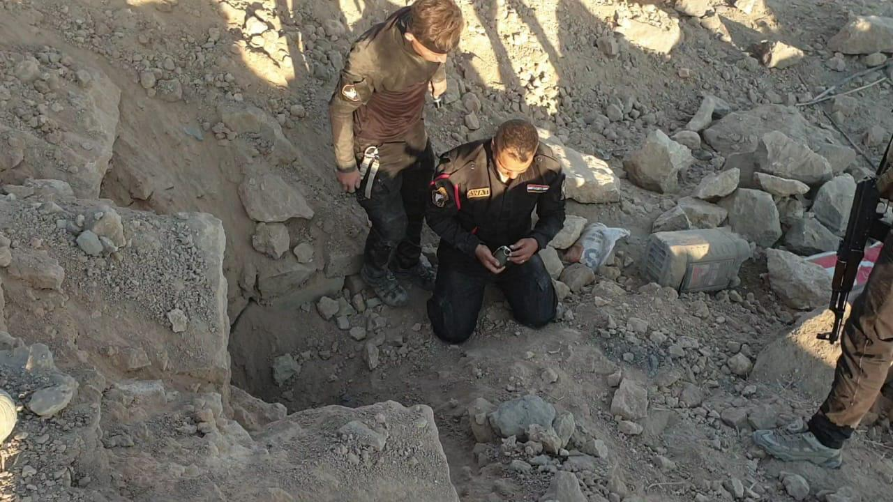 صور .. قتل عناصر من داعش باشتباكات مع قوات الشرطة قرب نفق للتنظيم في نينوى