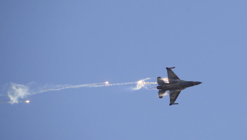 مقتل 4 سوريين بقصف اسرائيلي