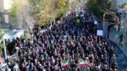 خروج مسيرات حاشدة في ايران لتأييد النظام ومعارضة الاضطرابات