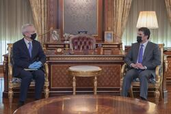 Barzani discusses different files with the British Consul
