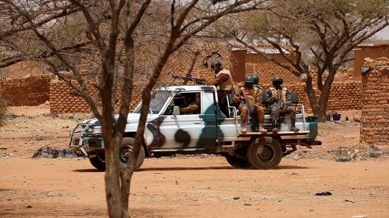 مقتل أكثر من 140 شخصا بينهم عناصر امن ومسلحين في بوركينا فاسو