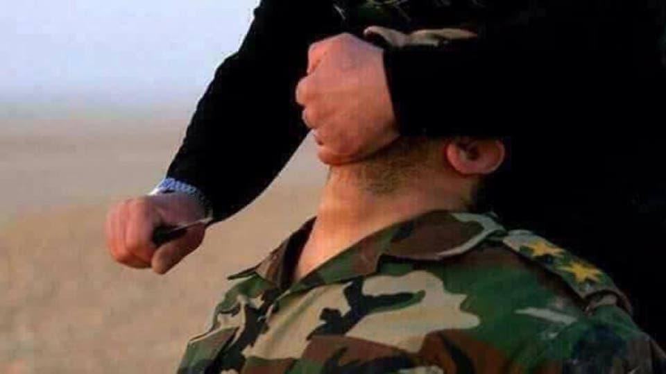 صور .. بعد القبض على مجموعة من التنظيم العثور على جثمان ضابط عراقي نحره داعش