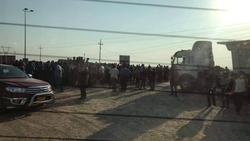 متظاهرون يقطعون طريق منفذ حدودي مع ايران