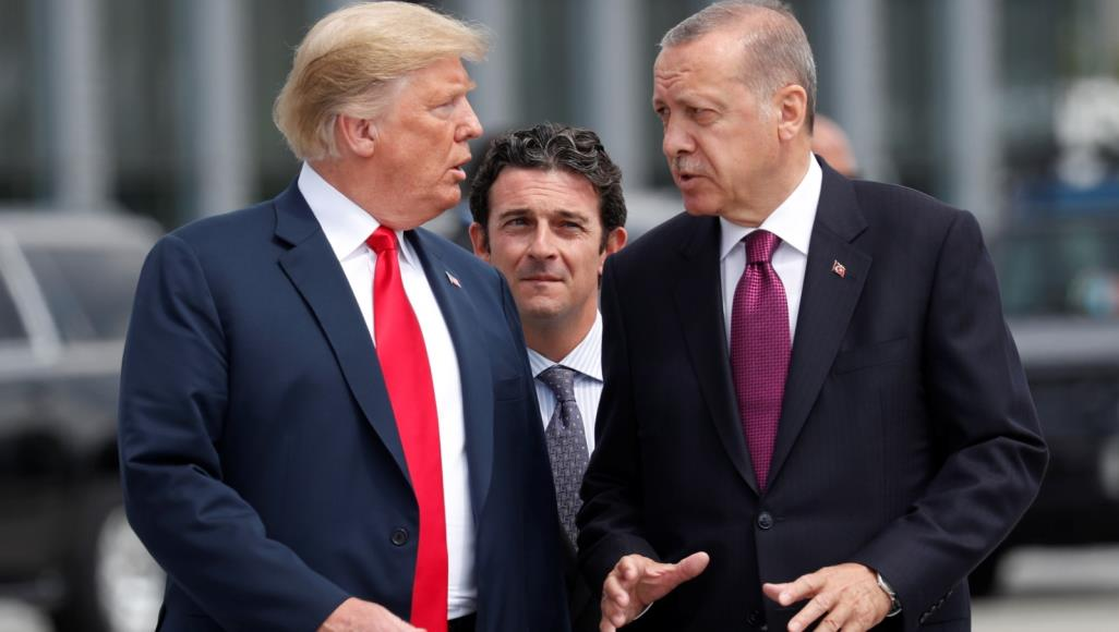 """إردوغان وترامب بحثا هاتفيا """"المنطقة الآمنة"""" بسوريا"""