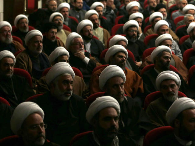 شكوري: 98% من رجال الدين بايران تحت خط الفقر والشارع لا يصدق