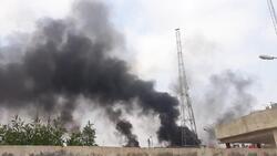 محتجون يحرقون مقرا امنيا ويستولون على عجلات واسلحة بعد مصادمات مع شرطة ذي قار