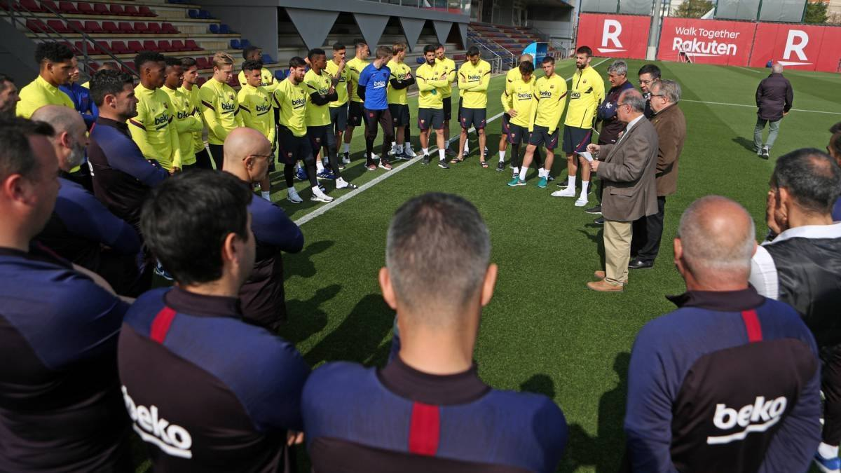 شجار بين لاعبي برشلونة وكيكي سيتين