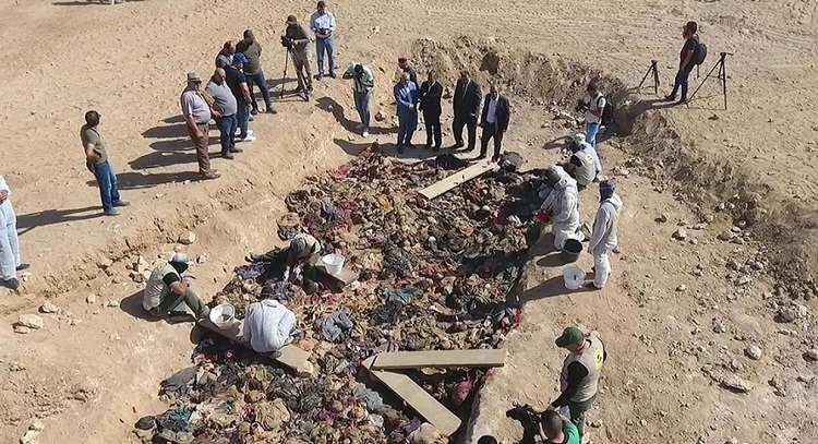 العراق يعلن الوصول لمقابر جماعية تعود للكورد الفيليين