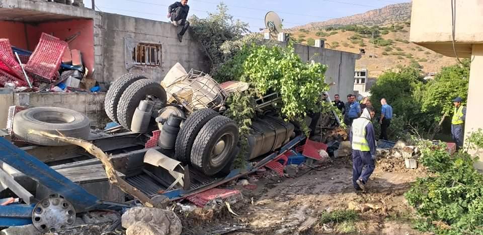 صور .. وفاة واصابة اشخاص بحادث مروع في منطقة سياحية بالسليمانية
