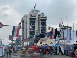 صور .. بعد 100 يوم المطعم التركي ببغداد خالٍ من المحتجين