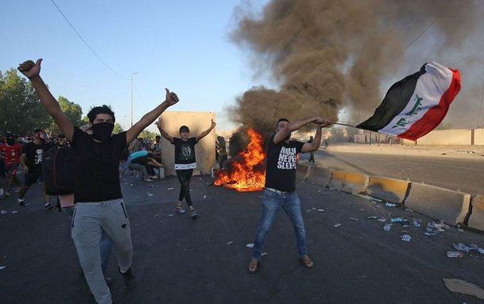 """الصدر يطالب باستقالة الحكومة العراقية """"شلع قلع"""" ويدعو لانتخابات مبكرة"""