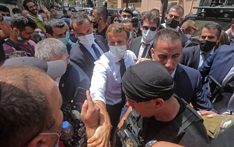 آلاف اللبنانيين يوقعون عريضة لعودة الاحتلال الفرنسي