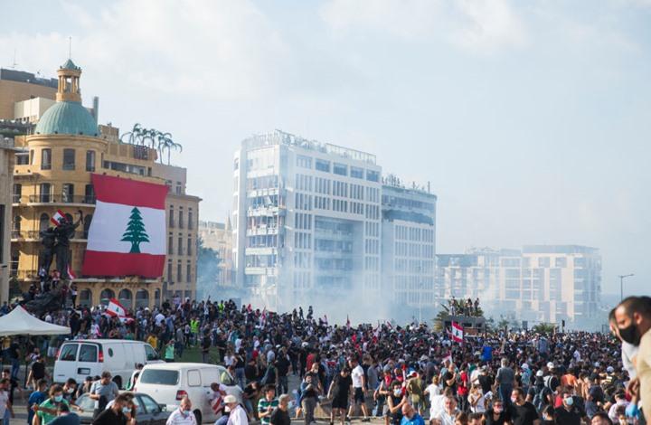 أمريكا تدعم احتجاجات لبنان وسط الرصاص والحرائق