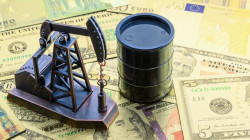 Oil settles higher and Brent crude touches 45$