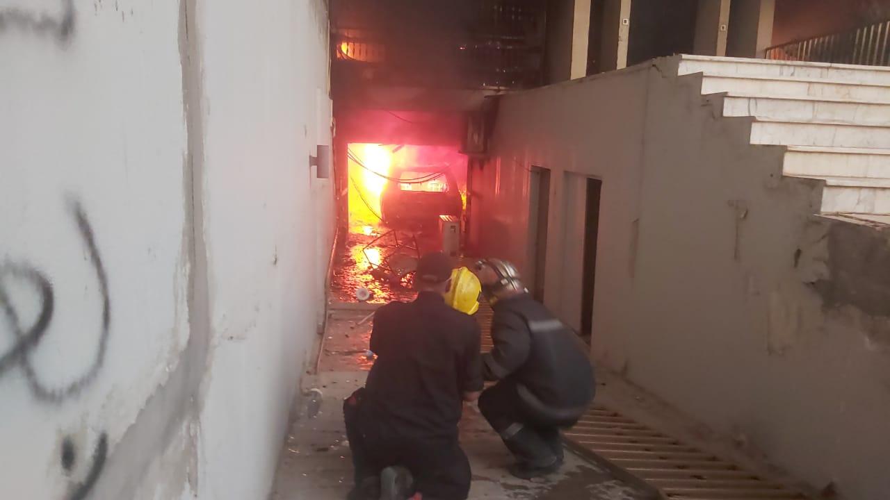 """الدفاع المدني يخمد حريق """"دجلة"""" وتحالف الصدر يقاطع القناة"""