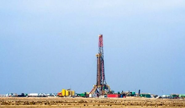 إيران ترفع انتاج النفط من حقل مشترك مع العراق