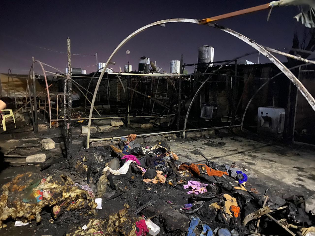 فيديو وصور.. النيران تلتهم 10 خيام للنازحين في دهوك