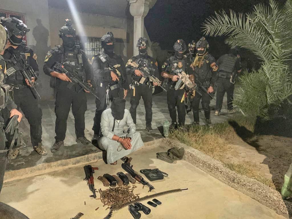 القبض على أحد أخطر الارهابيين والاستيلاء على كدس عبوات في الانبار