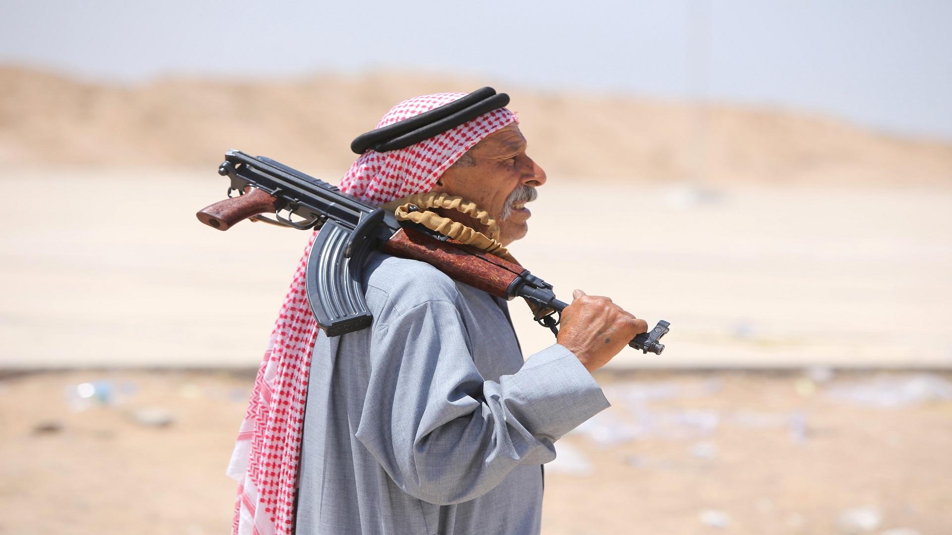"""الصدريون يطلبون من الكاظمي التحرك على سلاح عشائري """"منفلت"""" زودتها بها أمريكا"""