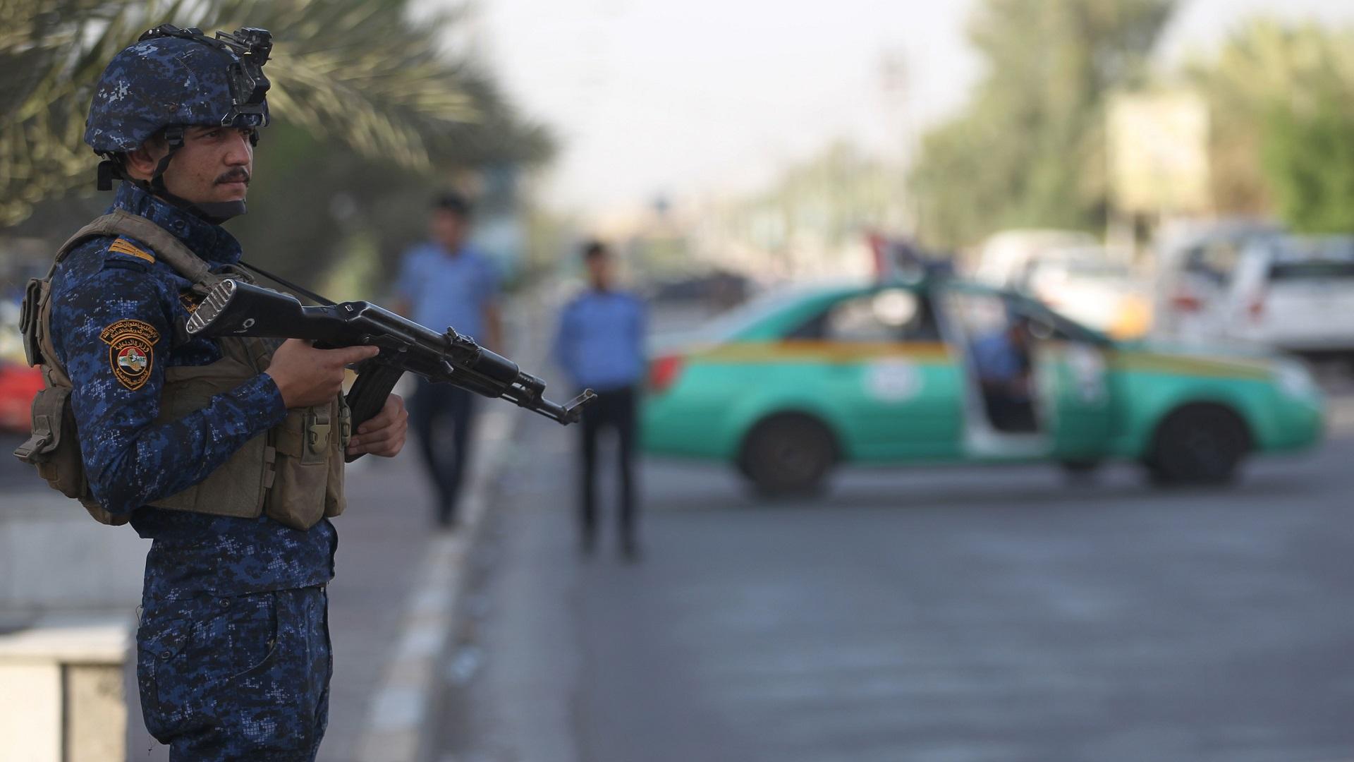 مصرع مدني واختطاف طفل من يد والدته بحادثين في محافظتين