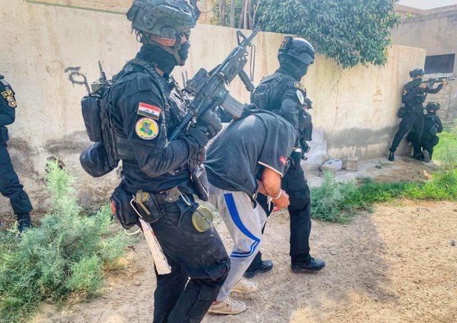 مكافحة الإرهاب يعتقل اثنين من داعش ويفكك عشرات العبوات في بغداد وكركوك