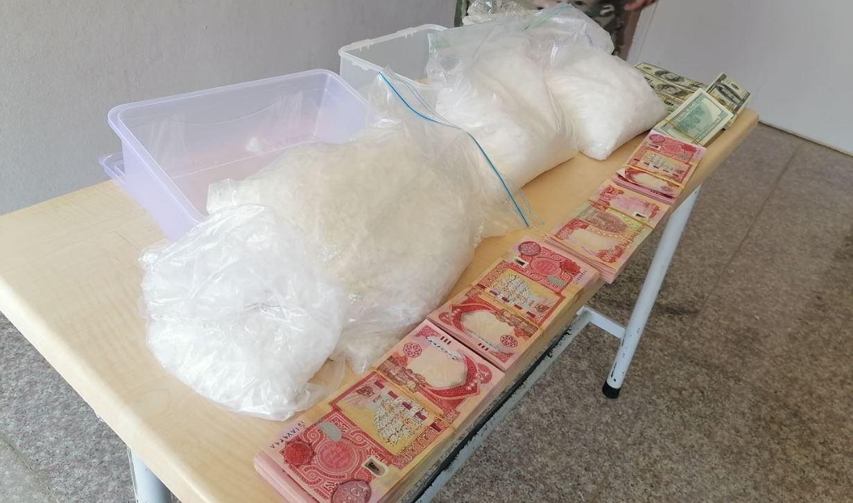 الإطاحة بعصابة تتاجر بالمخدرات في الموصل