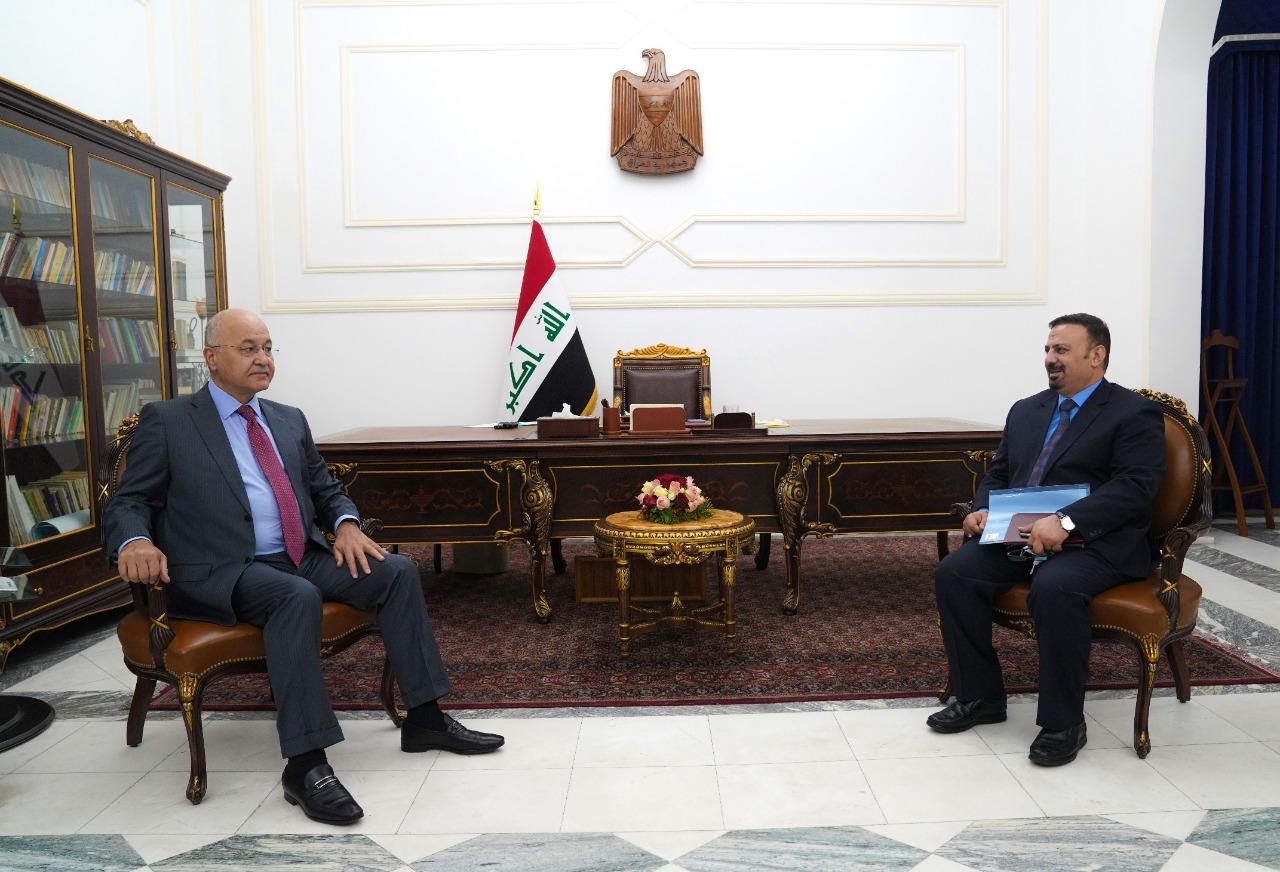 """الرئيس العراقي ينبه النزاهة لمهمة """"ملحة"""" ويدعو لتعاون دولي لكشف الفاسدين"""
