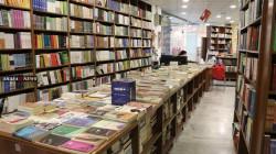 """""""ديالوك"""" توزع الكتب والمحبة في كركوك .. صور"""
