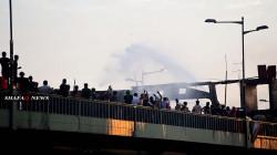 تظاهرات بغداد.. كر وفر بين المحتجين والأمن ونيران تلتهم بعض خيام التحرير