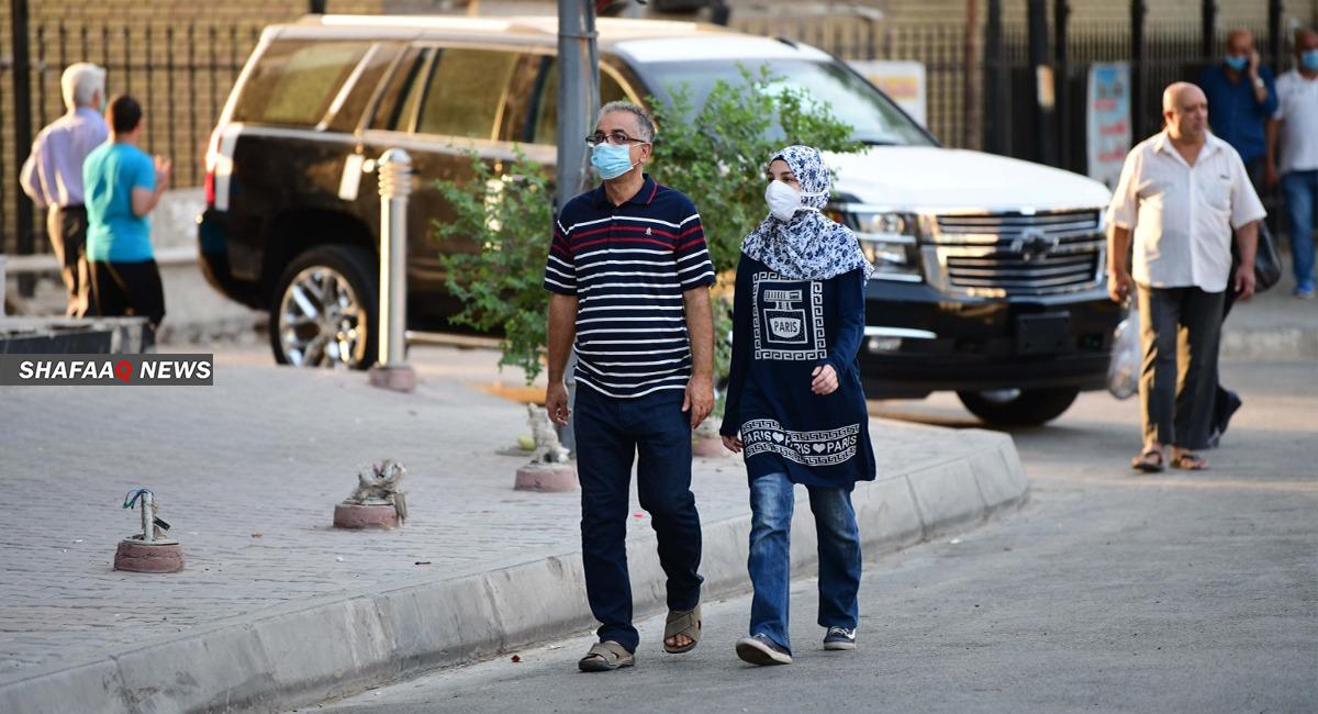 إصابات كورونا اليومية في العراق تتراجع إلى دون ألفي حالة