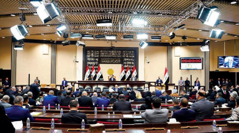 موقف الصدر من الاقتراض يدفع البرلمان الى اجتماع جانبي لحسم القانون