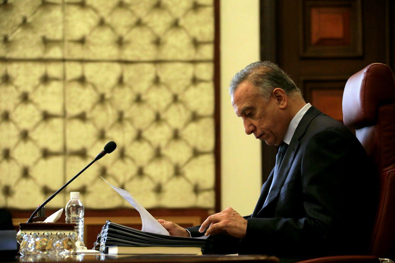 الكاظمي يعلن اطلاق الرواتب بعد اقرار قانون الاقتراض