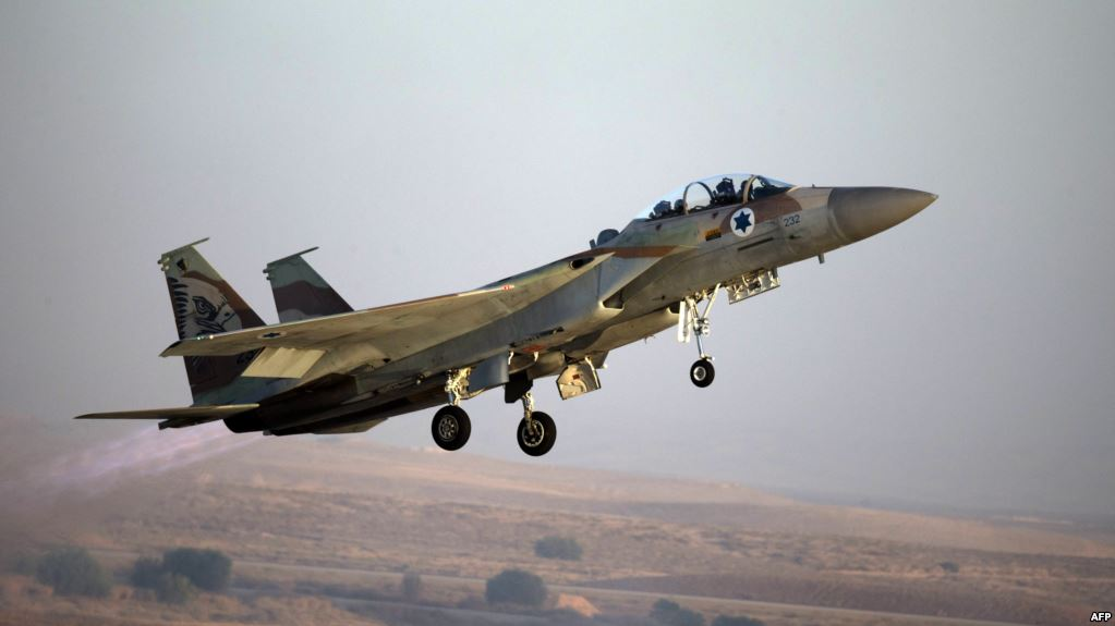 مقتل واصابة جنود سوريين بغارات إسرائيلية