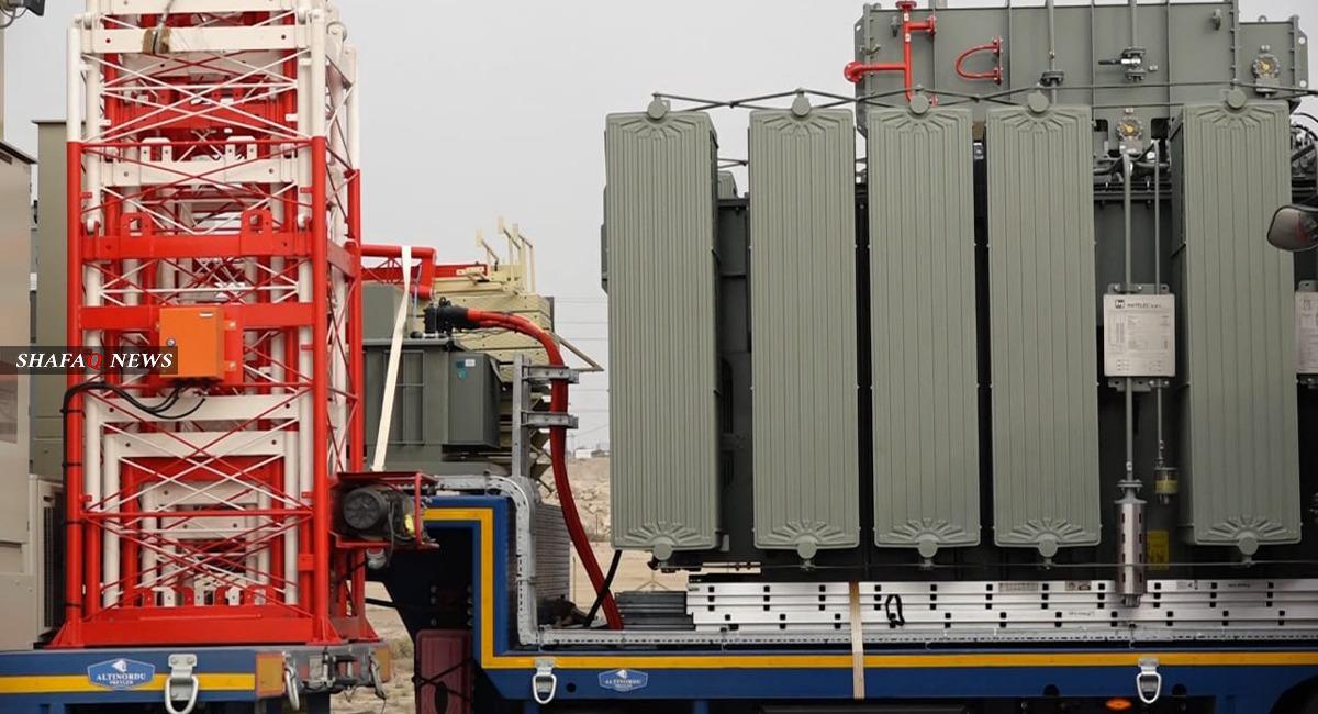 للحد من الأزمة المزمنة.. وصول 14 محطة كهرباء إلى الأنبار (صور)