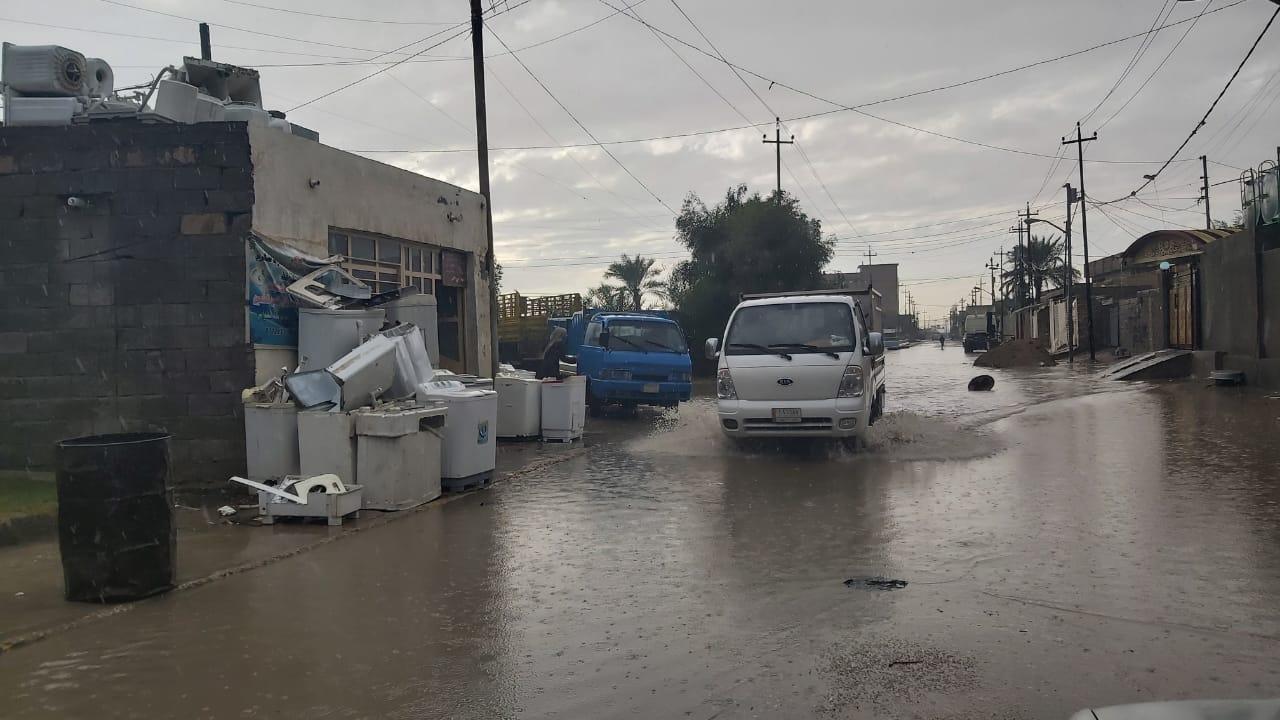 """""""المطر السياسي"""" يغرق شوارع الأنبار ويشعل غضب المواطنين من المشاريع"""
