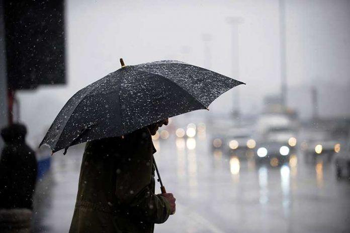 رائحة المطر وهرومون السعادة.. سر علاقة الطقس الشتوي بالاكتئاب
