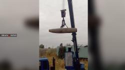 صور.. الموصل.. تفكيك قنبلة داخل عمارة تزن أكثر من 500 رطل