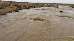 اعادة فتح طريق استراتيجي بين محافظتين عراقيتين قطعته السيول الايرانية
