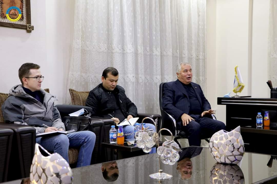 وفد طاجكستاني يزور مناطق الإدارة الذاتية لشمال شرق سوريا ويناقش 4 ملفات
