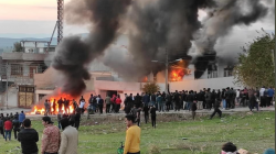 Protesters set fire to the government's headquarters in Al-Sulaymaniyah