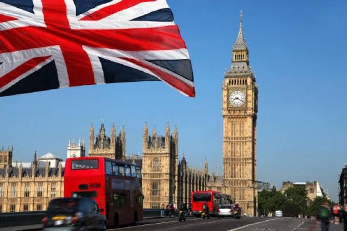 بريطانيا تفتح باب الهجرة لجميع الجنسيات وتحدد شروطها وآلية التقديم