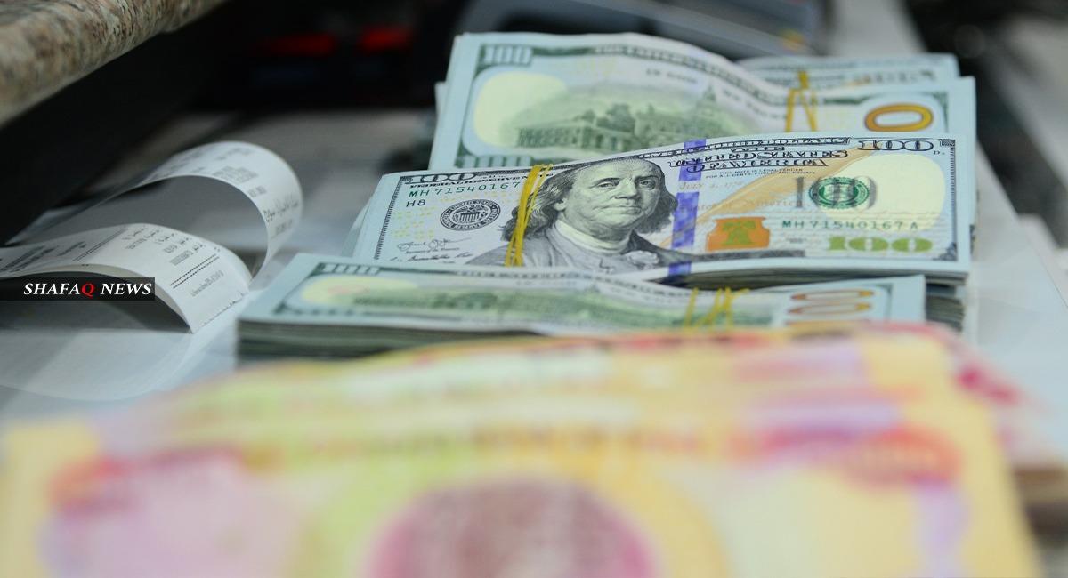 إرتفاع اسعار صرف الدولار في بغداد واستقراره في إقليم كوردستان