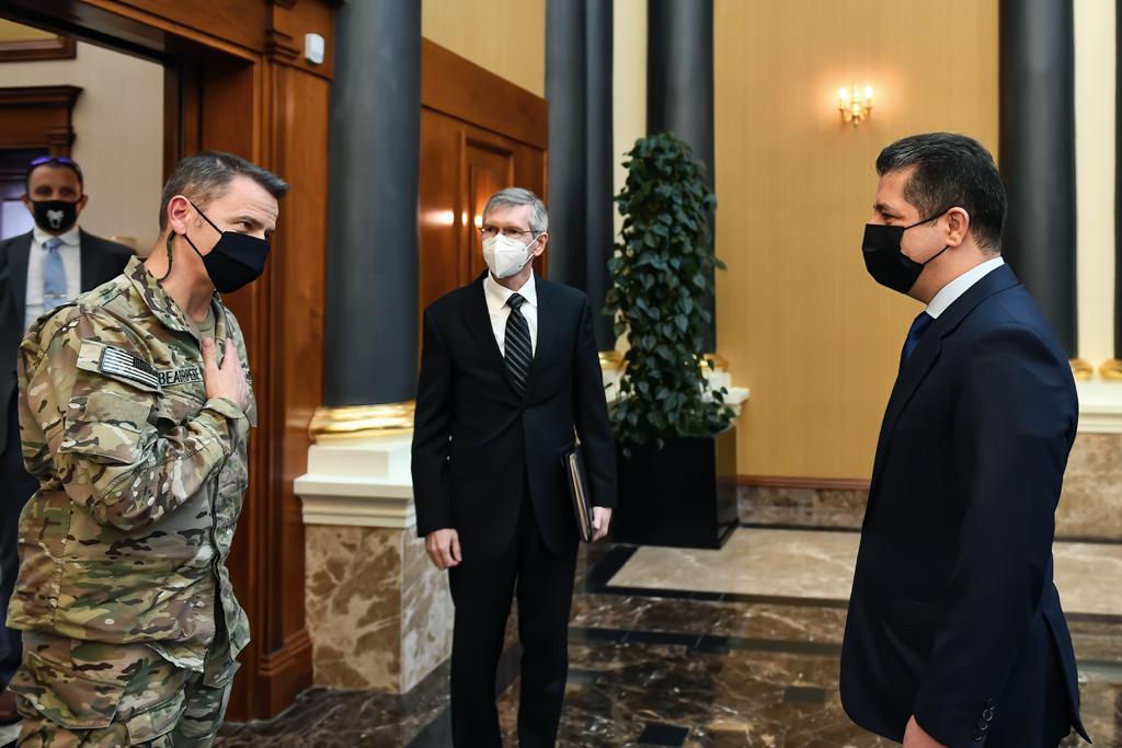 مسرور بارزاني: على القوات المسلحة غير القانونية مغادرة كوردستان