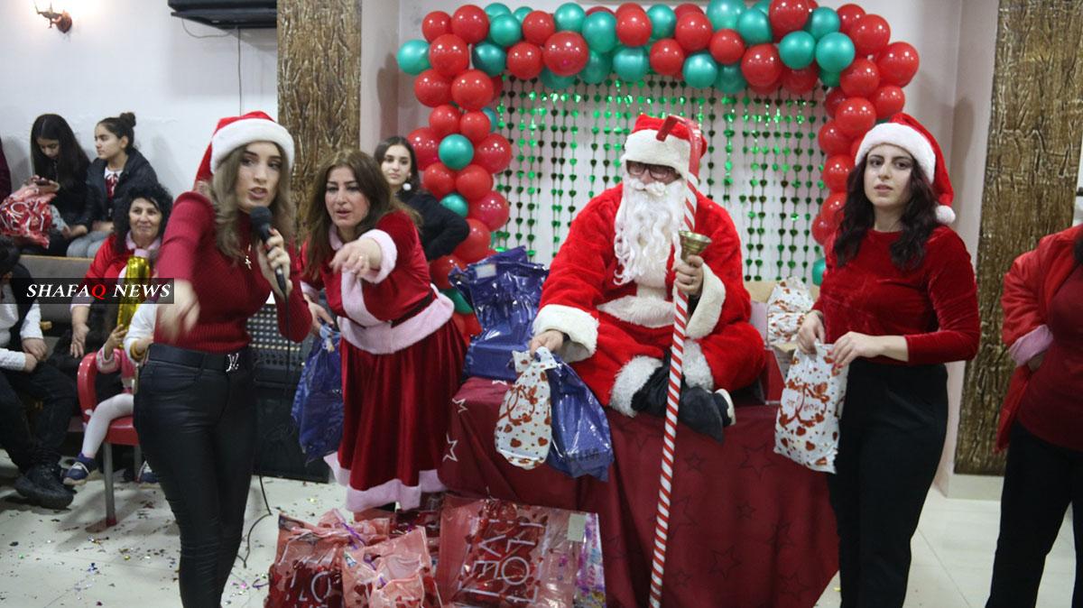 """بالصور.. احتفالية للأطفال بمناسبة عيد الميلاد في """"ديرك"""""""