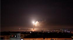 المرصد السوري: القصف الإسرائيلي دمر مستودعات ومراكز عسكرية لفصائل إيرانية