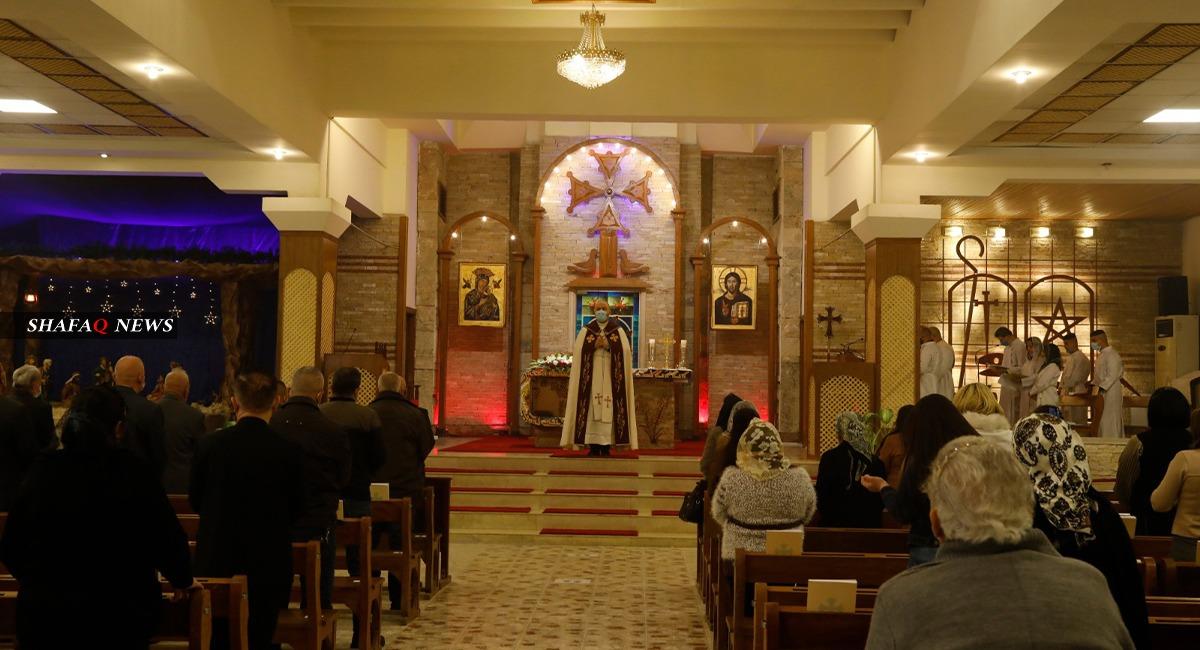 بالصور.. كورونا يضيق على طقوس قداس عيد الميلاد في بغداد
